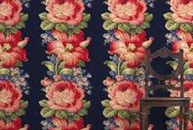 Vintage Florals / Large medium or small - These beautiful florals are sure to please. Use to add an accent in a classic home or go for the full 90's look!! Mix it up!!