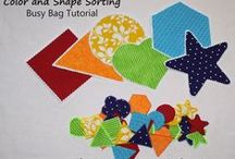 Busy Bag Activities / Busy bags are activities to keep preschoolers busy and learning!  These ideas are great for traveling, for restaurants or waiting rooms, or to keep children occupied while mom gets other things done.  They are great for teaching numbers, letters, colors, shapes, patterns, imaginative play, and so much more!
