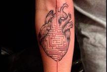 Tatuajes de esbozos / Galería de tatuajes estilo esbozo, también conocidos como estilo sketch o sketch work.