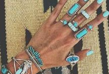 Jewelry Inspiration / Bits & bobs, sparkles and hardware