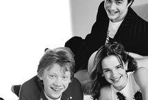Harry Potter & friends / Я уверенна ,что я не одна Поттероман в Пинтересте,поэтому , на этой доске,я буду выкладывать пины , со всеми любимым Гарри Поттером и его друзьями !⚡️⚡️⚡️