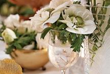 Elegant Dinner & White Garden Parties / Crispy Tableware, White Anemones & Ranunculus, Clear Vases, Classic Arrangements, Inspiring & Quite Simple