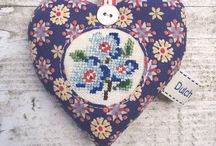 Dutch Sisters Etsy / A little shop where we sell our handmade goodies, our thrifty finds and fabrics.