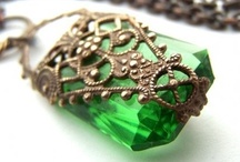 Jewels / shiny, pretty things / by Linda Petersen