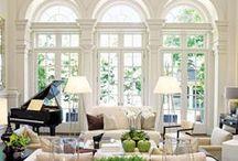 Interiors / by Caroline Dini