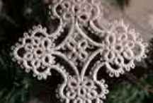 Tatting / <3 Look at all of these gorgeous tatted items! I really have to learn to tat!!!! <3 / by SafireDi