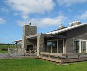 Energy Efficiency and Contemporary Outdoor Living / New Home located in Auckland, New Zealand