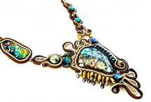 Soutache / Soutache is a gorgeous form of jewelry embroidery. / by Carmi Cimicata