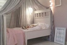 Toddler room inspo / Light and airy decor with grey, pink and copper. Ideas for my 3 year old daughters bedroom in our new home.