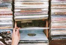 Hashtag Vinyl Love / Vintage, Schallplatten, Bilder, Musik, LP, Oldschool, Love, Vinyl Collection, Musik Sammlung, Schallplatten Sammlung, Ich will auch mal tausend LPs haben <3, Schallplattenspieler, Musikliebe, Musikblog, Musicblog