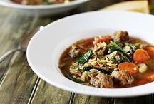 Deeeeeelicious Soups, Stews, and Chilis! / by Beth Ollson