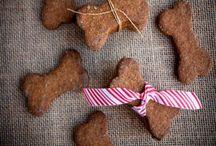 Dog Treat Recipes /  Make homemade dog treats with these fun and easy recipes:  Healthy dog treats, dog ice cream, dog cakes, dog training treats, frosty paws, treats with peanut butter, dog cupcakes, for birthdays and everyday treats!