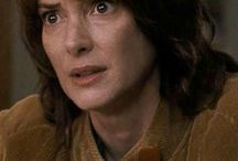 Winona Ryder (Joyce Byers) / This is Will's mother.