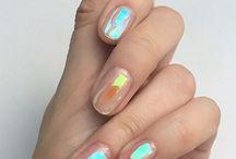 • nail •
