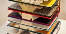 PaperArt / Gefaltete Bücher, Kunstobjekte und Ziergegenstände aus Papier und Büchern, Dekoartikel aus Büchern hergestellt