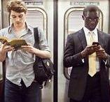 U-Bahn / Subway / Auf dem Weg zur Arbeit, im Untergrund, in der U-Bahn. Jede Gelegenheit wird zum Lesen genutzt. Und wenn es nur ein paar Minuten sind!
