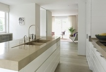 Kitchens / by Alisa Quint