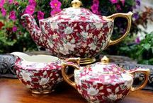 Oh, Chintz! / Yum, what's to say, chintz is one of my all-time FAV china patterns. Where ever I see it, it catches my eye.
