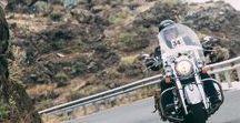 Queens' Cavalcade / Immagini tratte dalle edizioni della QUEENS' CAVALCADE, gara di regolarità classica riservata a moto d'epoca e bicilindriche moderne