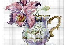 haft - kwiaty 2 - w różnych pojemnikach