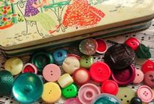 Buttons / When I was a little girl, I allready loved to play with buttons and sort them. Nothing's changed since then.