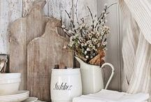 Vignettes / This board is all about beautiful gorgeous vignettes! It's got styling and decorating ideas for the tabletop and the walls. Most of the designs are French country or farmhouse.