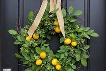 Wreaths and Garlands / This board has wreath and garland ideas that you can DIY for your front door. Some are beautiful inspiration and others have tutorials to show you how to make them.