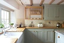 KITCHEN / Inspirations & ideas for a beautiful & functional kitchen.