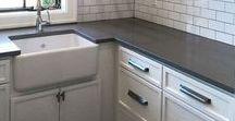 Pièce | Salle de lavage - Laundry room / Viens t'inspirer avec nous pour la décoration de ta salle de lavage ou de ton coin lavage ! Idées de rangement futé, solutions pour suspendre les vêtements, planche à repasser discrète et à portée de la main, astuces pratiques, salle de lavage rétro, scandinave ou encore style industriel, tous styles confondus, notre radar créatif est toujours à l'affût ;) Rejoins gratuitement la #TribuCréative pour encore + d'inspiration ! => tandemcodesign.com/infolettre