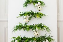 Christmas: Natural Decorating / I'm dreaming of a white Christmas...inspiration for decorating for Christmas with nature's Christmas pallet: snow whites, evergreens, midnight blues, starry metallics, and weathered woods.