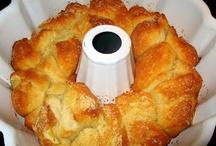 Bread and Rolls / by Jerri Bickerton