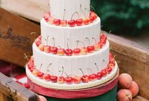 Peach Wedding / Summer wedding decor featuring summer's most romantic fruit:  peaches