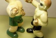 Sports Salt and Pepper Shakers / Salt and pepper shakers focused on sports, games, balls, and pucks