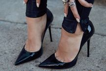 Bags and shoes / by Roberta Leal