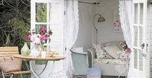Comfy She Sheds / The refuge of a She Shed is like a dream for many of us. Come dream with us!
