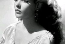 Gene Tierney / Gene Eliza Tierney was acclaimed as a great beauty and was best known for her portrayal of the title character in the film 'Laura' (1944), and was nominated for an Oscar for her performance as Ellen Berent Harland in 'Leave Her to Heaven' (1945). She suffered from mental illness throughout her life. Born - November 19, 1920 Brooklyn, New York. Died - November 6, 1991 (aged 70) Houston, Texas Cause of death - Emphysema