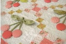 Pretty pictures of quilts / by Elise Buhn