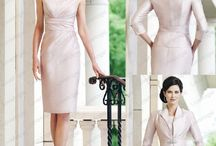 Mother of the Bride/Groom Dresses / by Jessica Smith