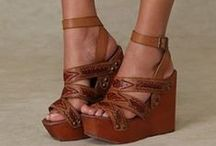 Obsessed With Wedges / by Ally Mason