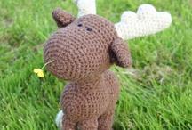 Crochet / by Lyndsey Jordon