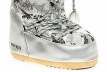 Moon Boot Ayakkabılar / Dünyaca ünlü ayakkabı markası Moon Boot, eğlenceli, modaya uygun, renkli kar botlarıyla ayaklarınızı sıcacık tutacak.