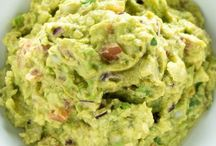 Tailgating Football Food! / Food for tailgating, football parties, and game day potlucks! Appetizers, easy, cold, snacks, make ahead, dip.