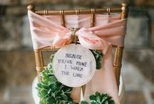 Sillas vestidas / Originales ideas para las sillas de tu matrimonio