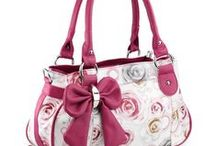 Bags and Totes / by Jennette Golder