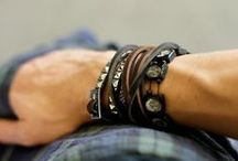 Top Men's Bracelet Looks / Loads of ideas on how to style your men's bracelets on your wrist