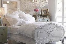 Decor | Shabby / Shabby chic style is soft and romantic. / by Cindy | Edith & Evelyn Vintage