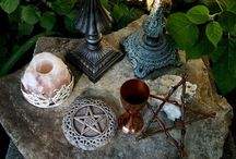 Oddities, Apothecary and Witchcraft / by Isabella Duarte