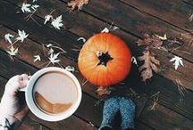 Automne / Photographie sur le thème de l'automne : chocolat chaud, citrouille, feuilles mortes ambiance cocooning...