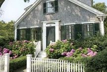 CUTE Cottages / by Jeanne Hening