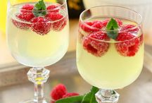 Bottoms Up / Delectable cocktails to woo your guests!